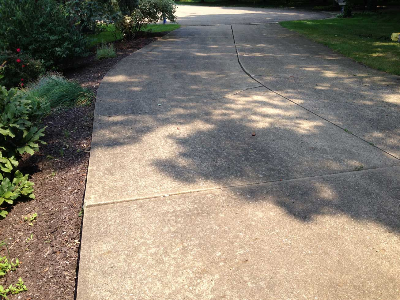 Driveway cleaning 2 before all cleanall clean for Cement driveway cleaner