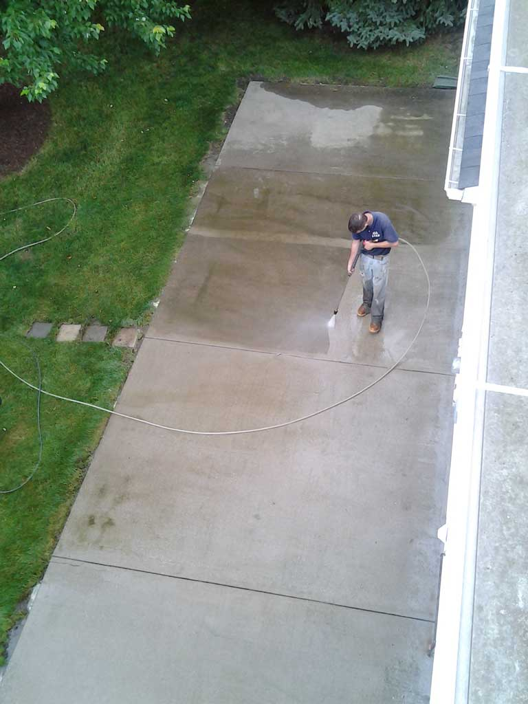 how to clean concrete patio
